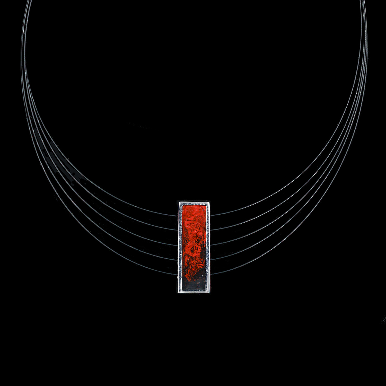 925er Sterlingsilber, Collier mit Anhänger rhodiniert, Anhänger rot/schwarz emailliert
